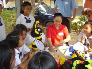 05.37. Thailand education project_schoolgirls_and_puppets